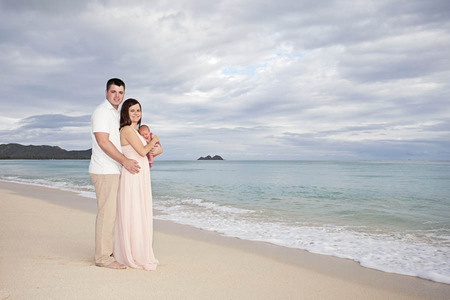 83 Oahu Hawaii newborn photography beach