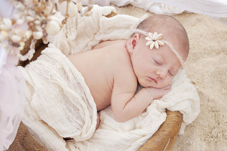 76 Oahu Hawaii newborn photography beach