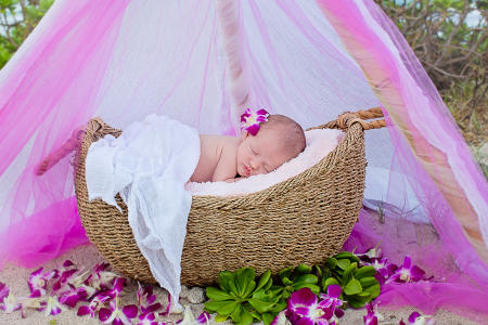 10 Oahu Hawaii newborn photography beach