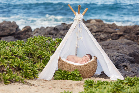 13 Oahu Hawaii newborn photography beach