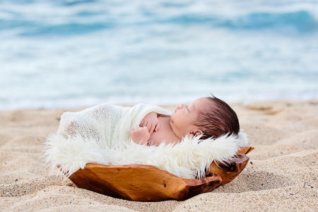 19 Oahu Hawaii newborn photography beach
