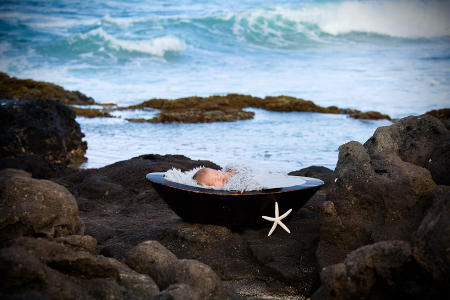 11 Oahu Hawaii newborn photography beach