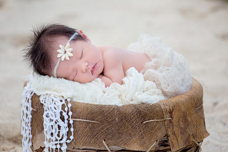18 Oahu Hawaii newborn photography beach
