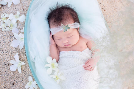 6 Oahu Hawaii newborn photography beach